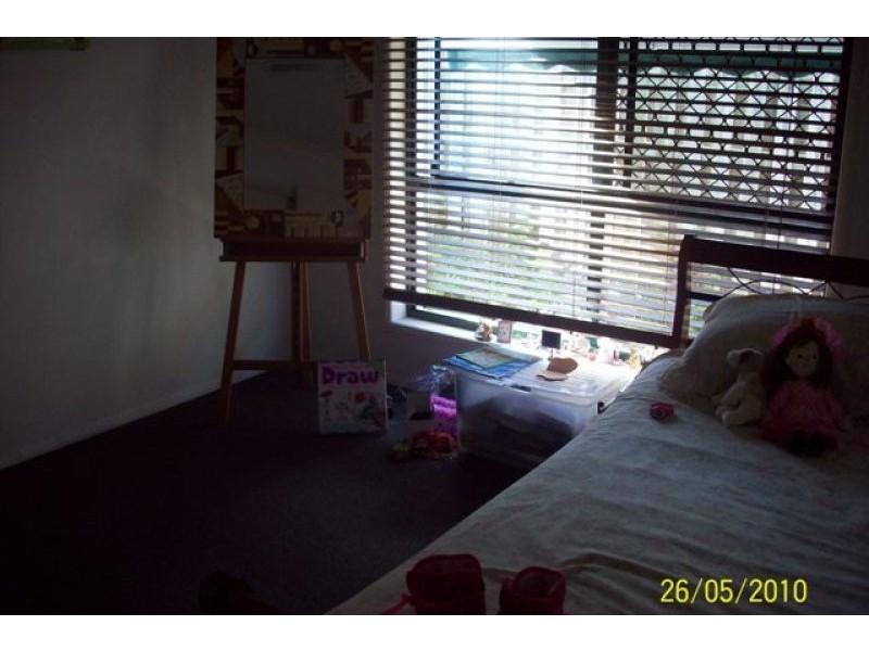 16 Harrow Street, Arundel QLD 4214