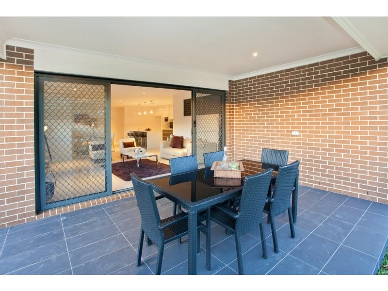 4 Voyager Street, Gregory Hills NSW 2557