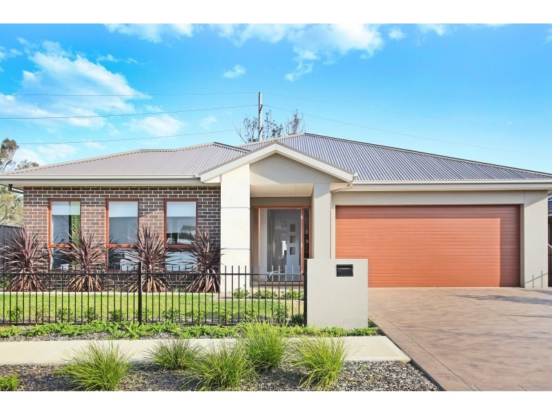 6 Healy Avenue, Gregory Hills NSW 2557