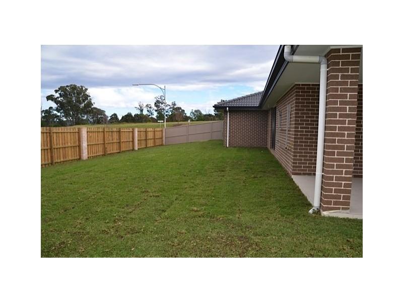 11 Spring Farm Drive, Spring Farm NSW 2570
