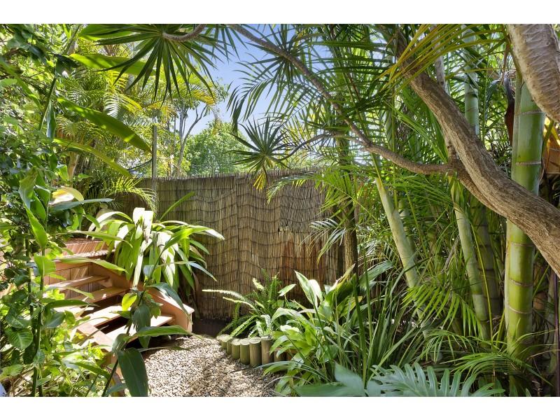 2 McIntosh Road, Dee Why NSW 2099
