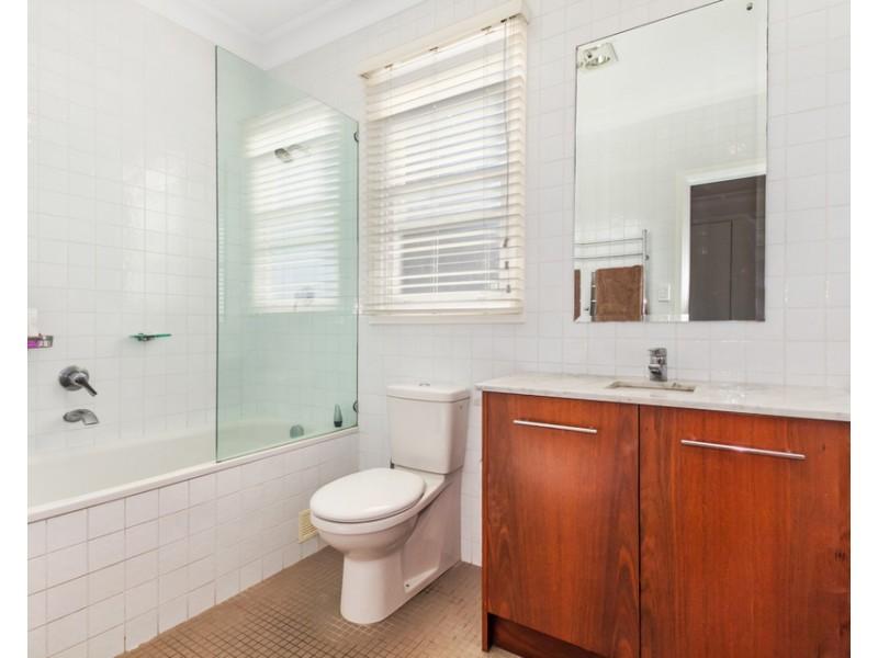 10 Baltic Street, Fairlight NSW 2094