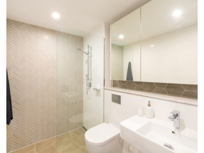 908/21-23 Mann Street, Gosford NSW 2250