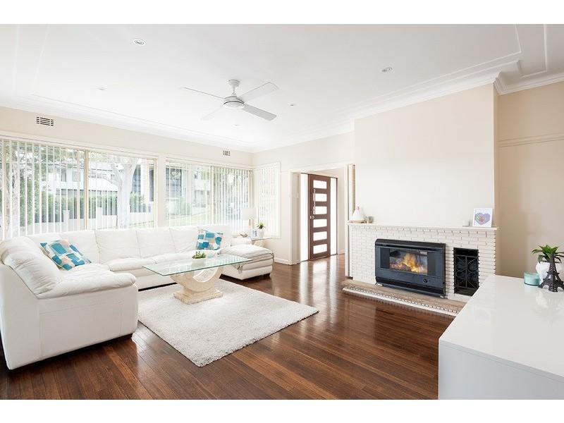 2 Parthenia Street, Dolans Bay NSW 2229