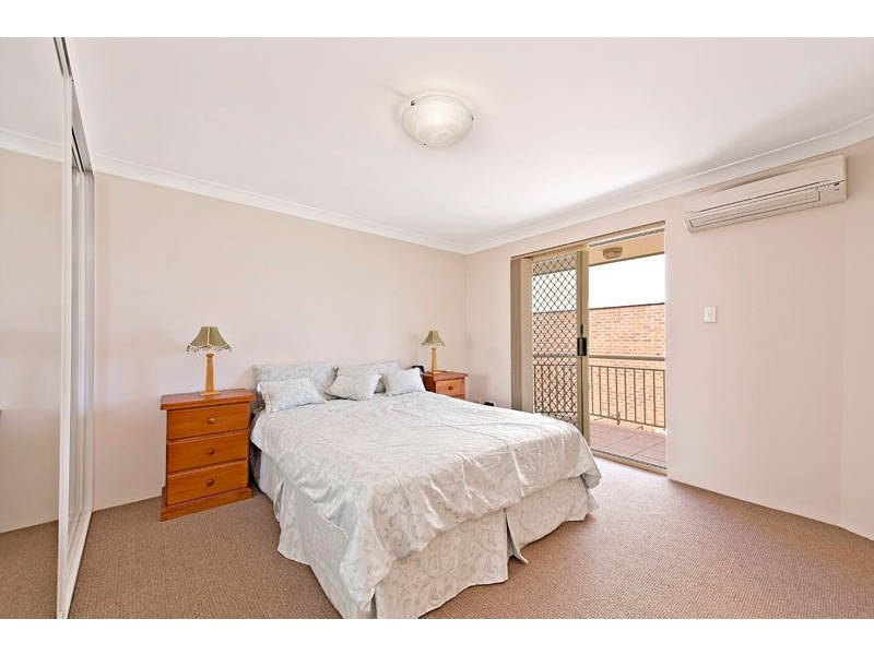 2/52-54 Second Avenue, Campsie NSW 2194