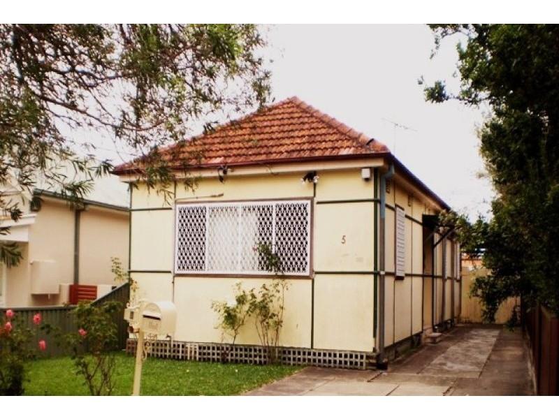 5 McKenzie Street, Campsie NSW 2194