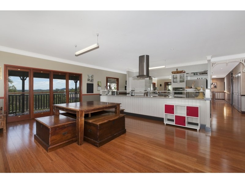 12 Stanaway Place, Bellbowrie QLD 4070