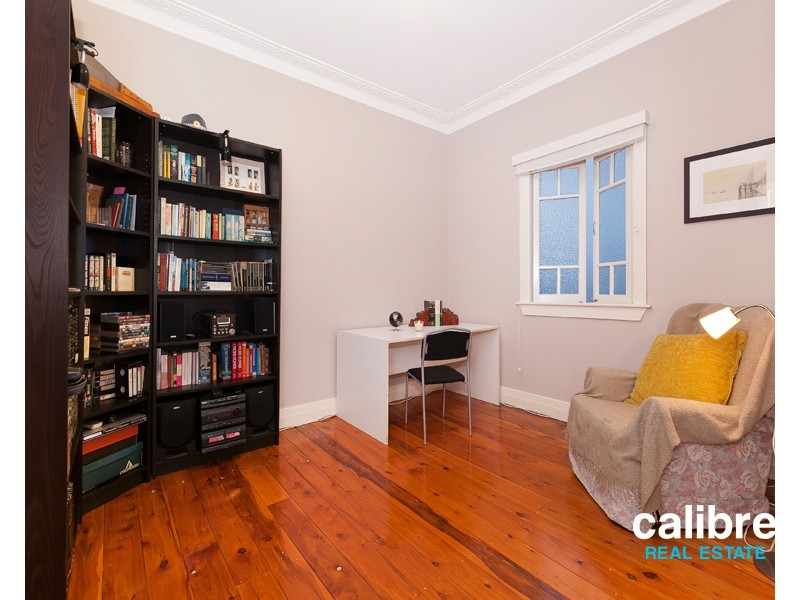 91 Lewin Street, Bardon QLD 4065