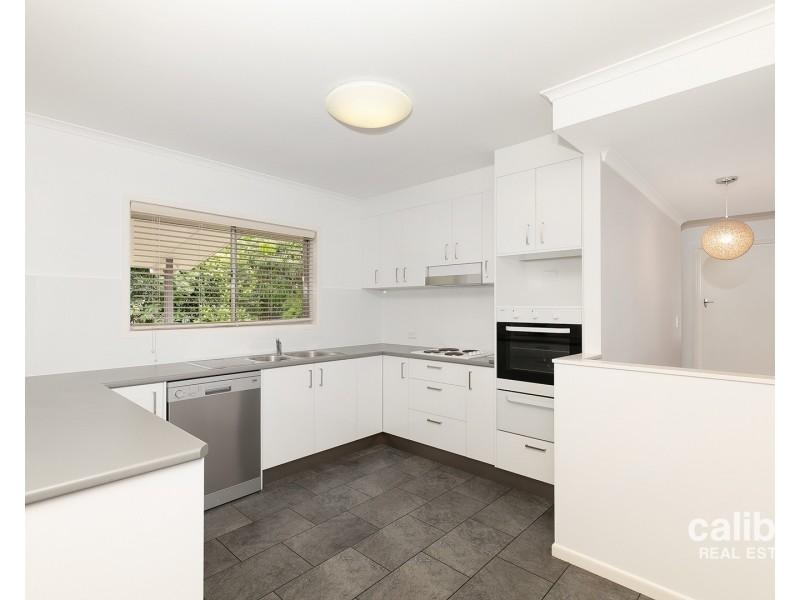18 Wyman Street, Stafford Heights QLD 4053