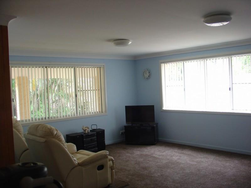 17 Third Avenue, Barellan Point QLD 4306