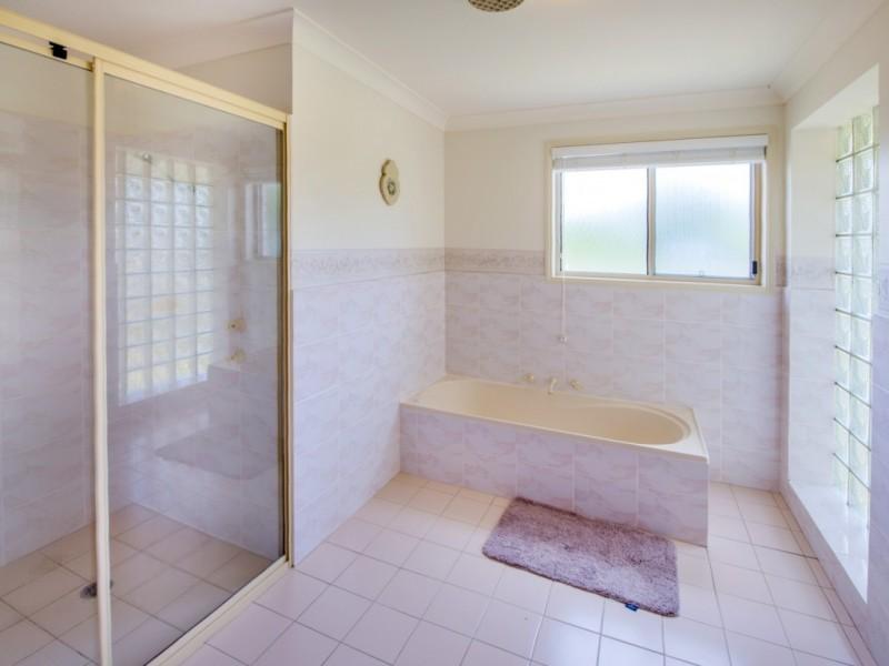 10 Tom Albert Place, Sawtell NSW 2452