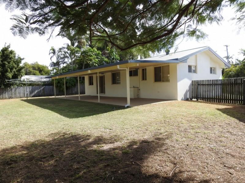 4 Elworthy Street, Bargara QLD 4670