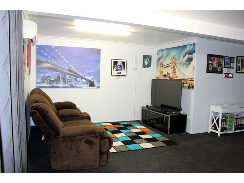 9 Marcus Street, Rasmussen QLD 4815