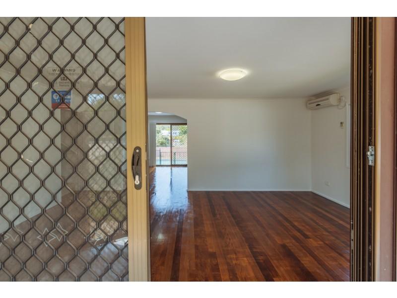 33 Lobelia Avenue, Daisy Hill QLD 4127