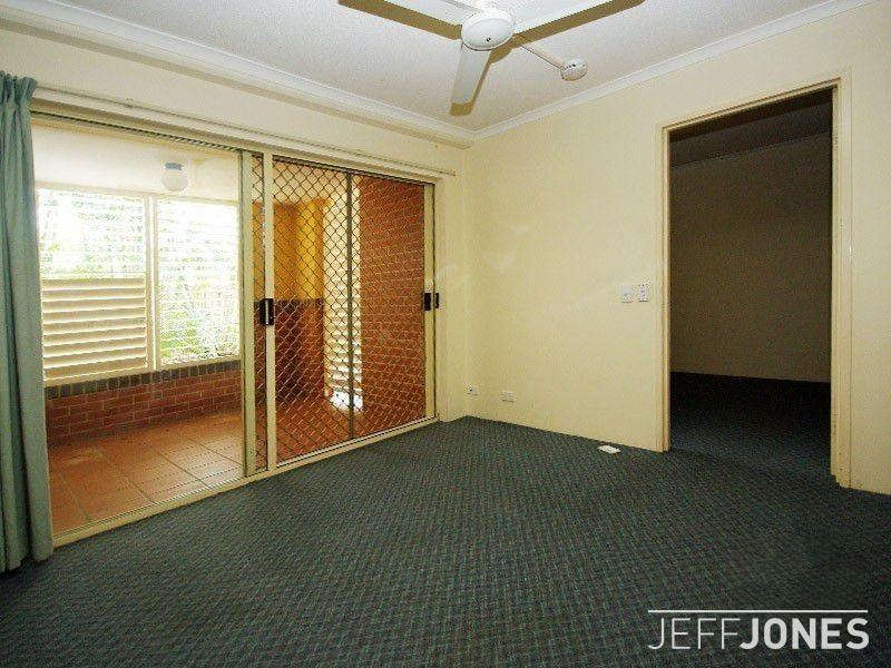 B7/52 Baron Street, Greenslopes QLD 4120