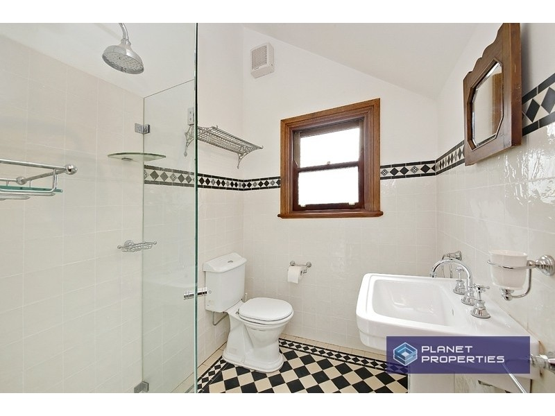 22 Gordon Crescent, Stanmore NSW 2048