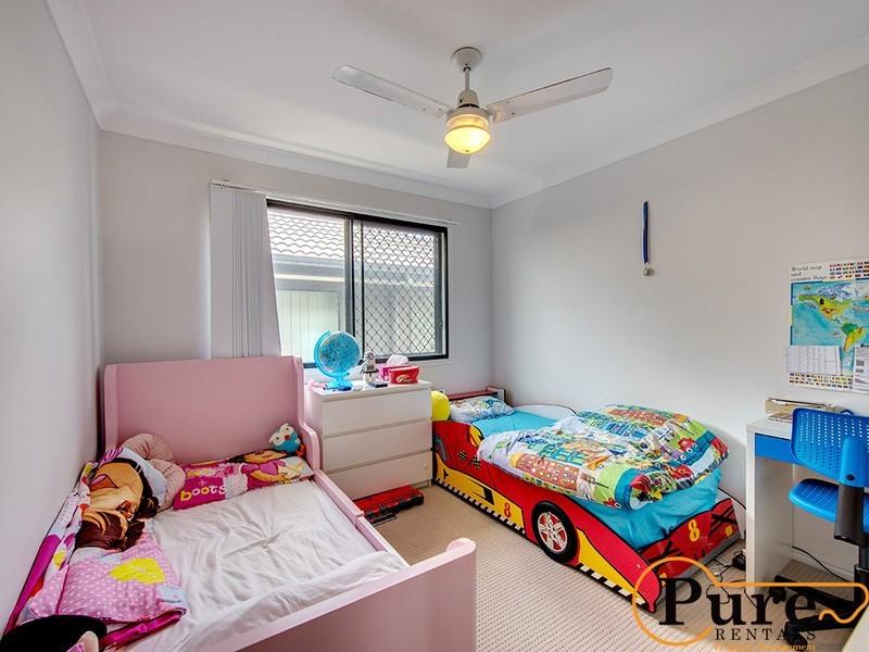 56 Merimbula Crescent, Fitzgibbon QLD 4018