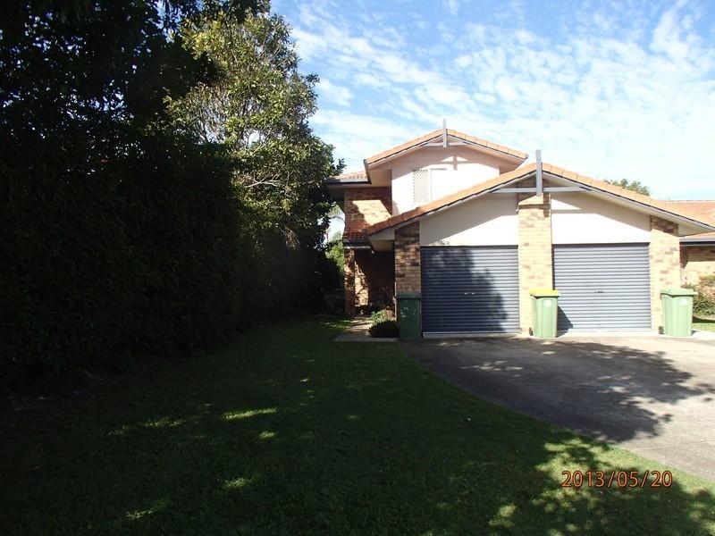 waterford court, Bundall QLD 4217