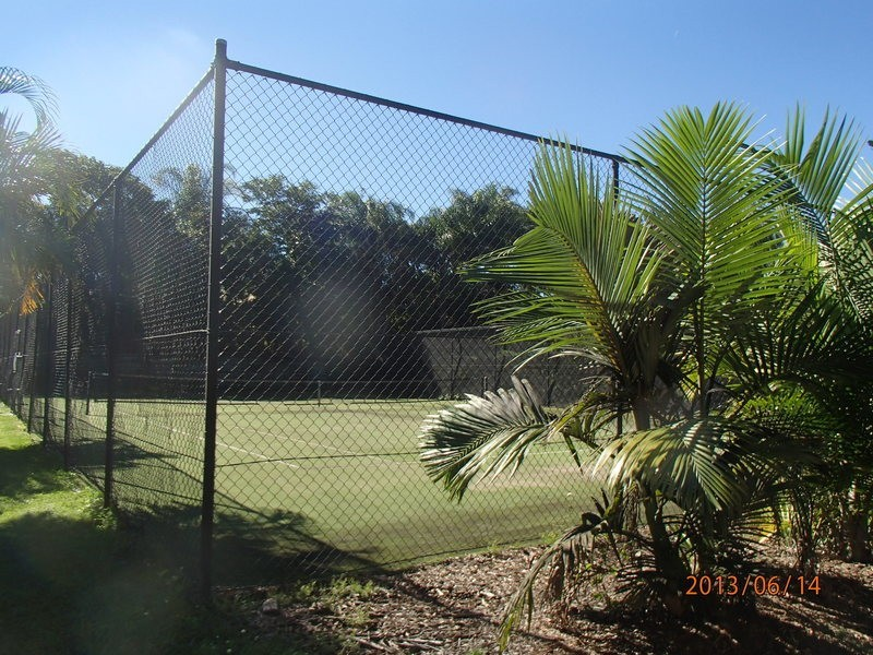 villa @/ 11 waterford court, Bundall QLD 4217