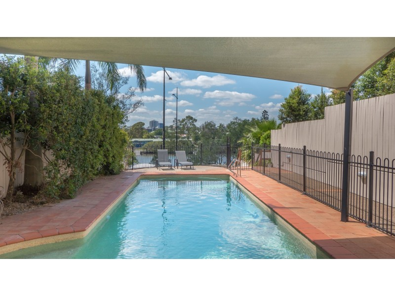 18 dunmore terrace, Auchenflower QLD 4066