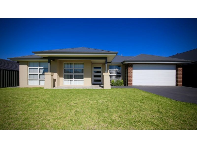 27 McCullough St, Cooranbong NSW 2265