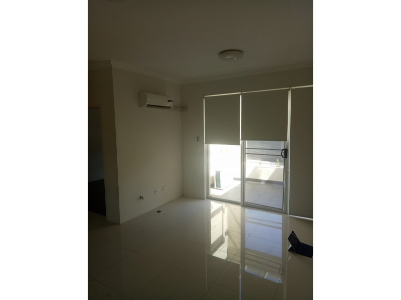 11/4 Barangaroo Rd, Toongabbie NSW 2146