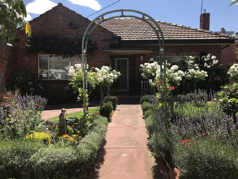 1C Birdwood St, Essendon North VIC 3041
