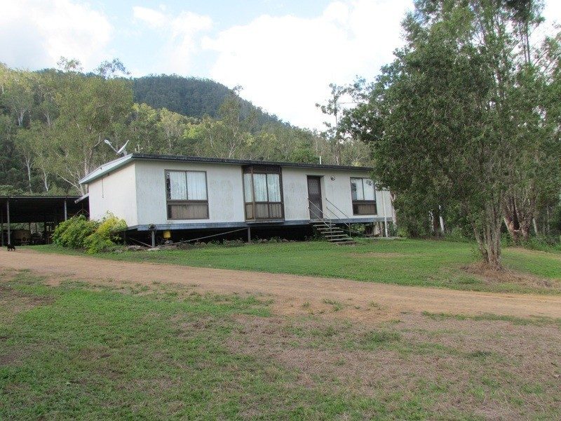 5204 Abergowrie Rd, Abergowrie QLD 4850