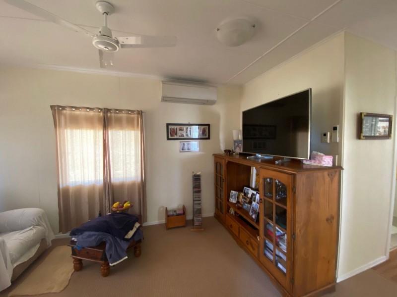 26 Wood St, Condamine QLD 4416
