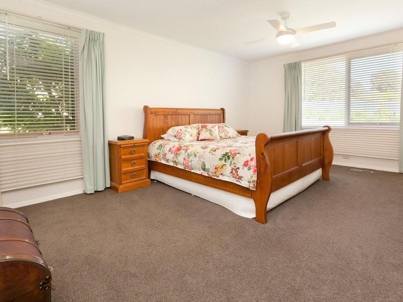23 Barton Drive, Mount Eliza VIC 3930