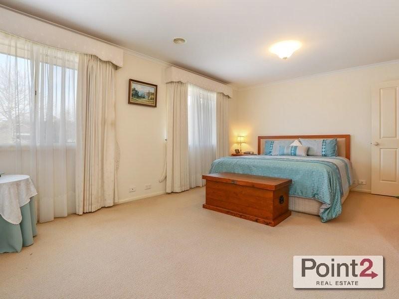 35 Wimbledon Avenue, Mount Eliza VIC 3930