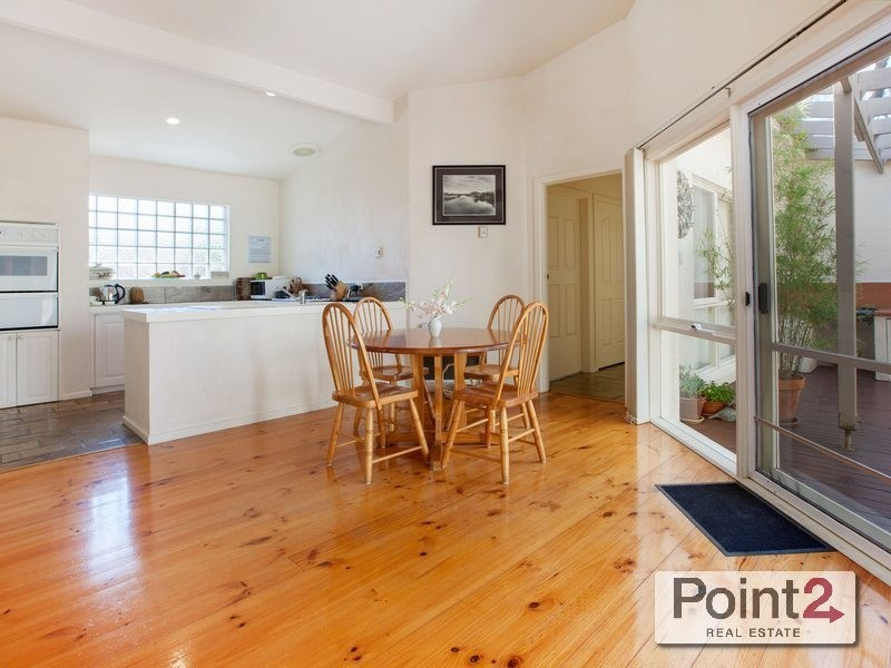 60 Mountain View Road, Mount Eliza VIC 3930