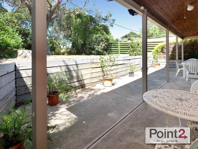 8 Parklands Grove, Mount Eliza VIC 3930