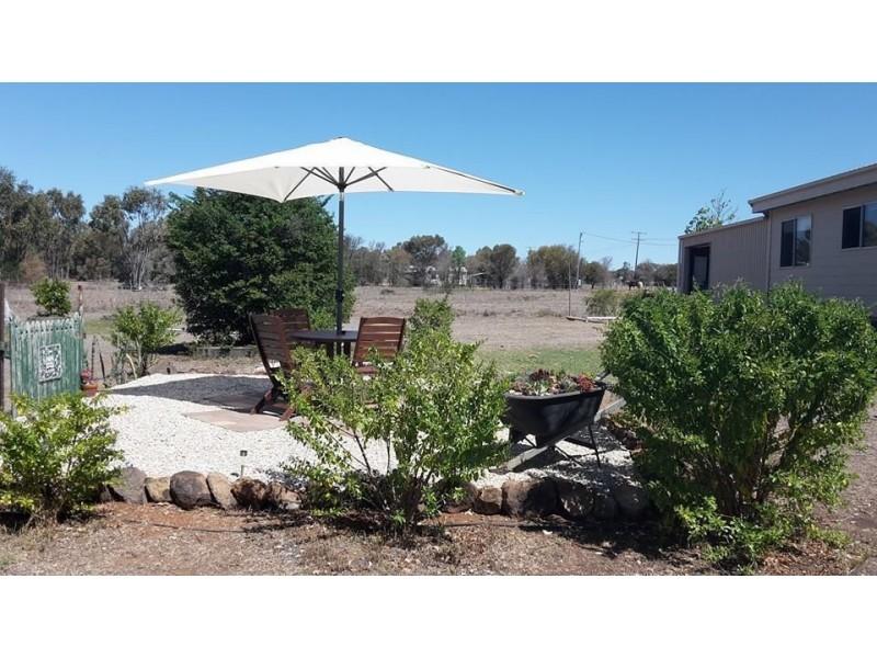 42 Hibernia Road, Capella QLD 4723