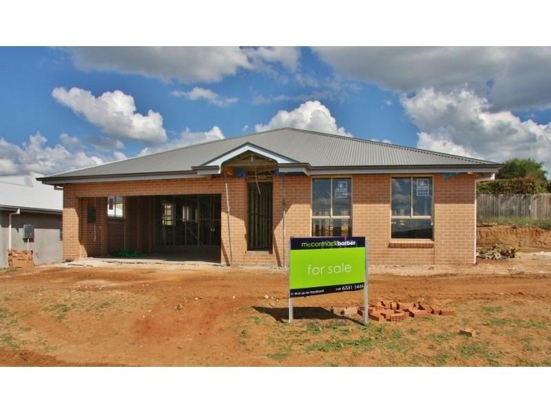 9 Parer Road, Bathurst NSW 2795