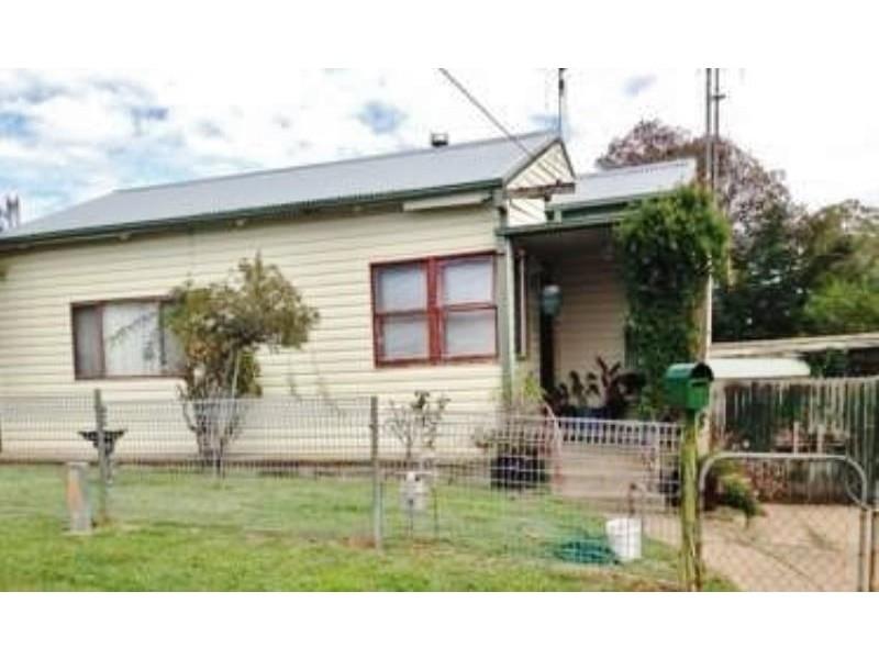 11 Pacific Way, Bathurst NSW 2795
