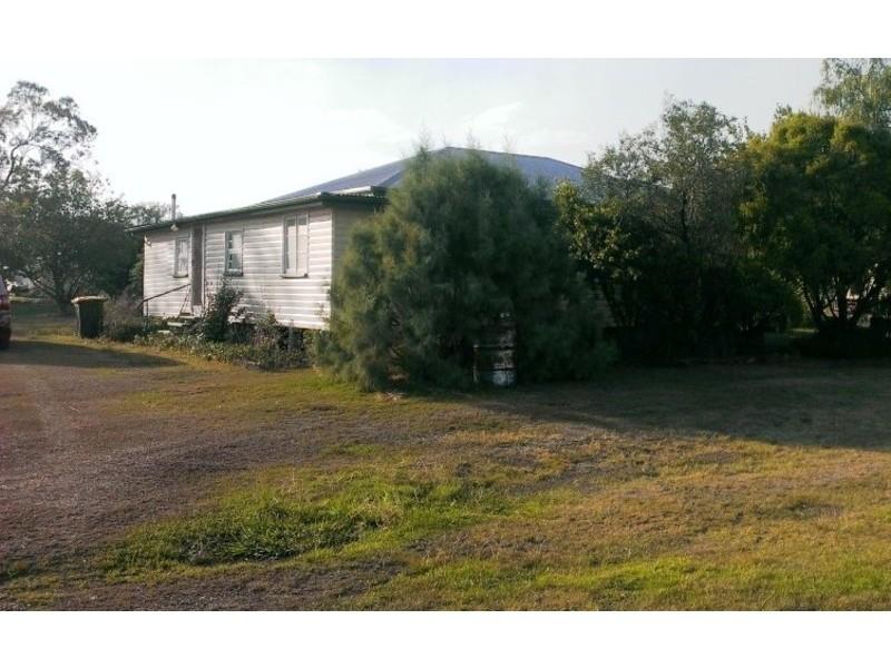60-62  Moffatt Street, Kaimkillenbun QLD 4406