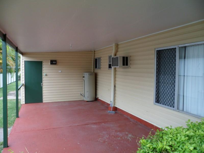 33 Nott Street, Moura QLD 4718