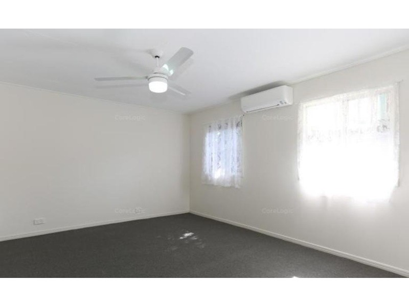 12 Pelican Street, Slade Point QLD 4740