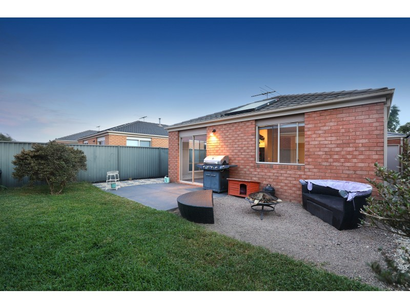 3 Duncombe Park Way, Deer Park VIC 3023