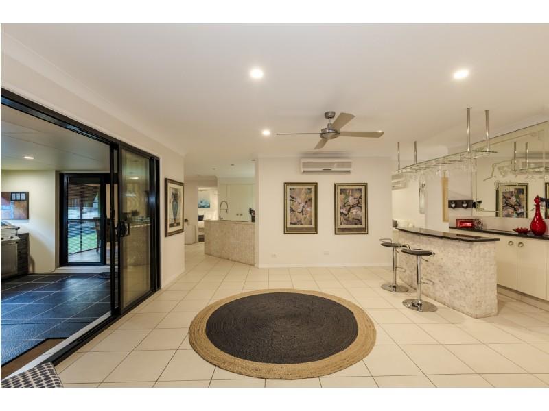 2 Amanu Crescent, Pacific Pines QLD 4211