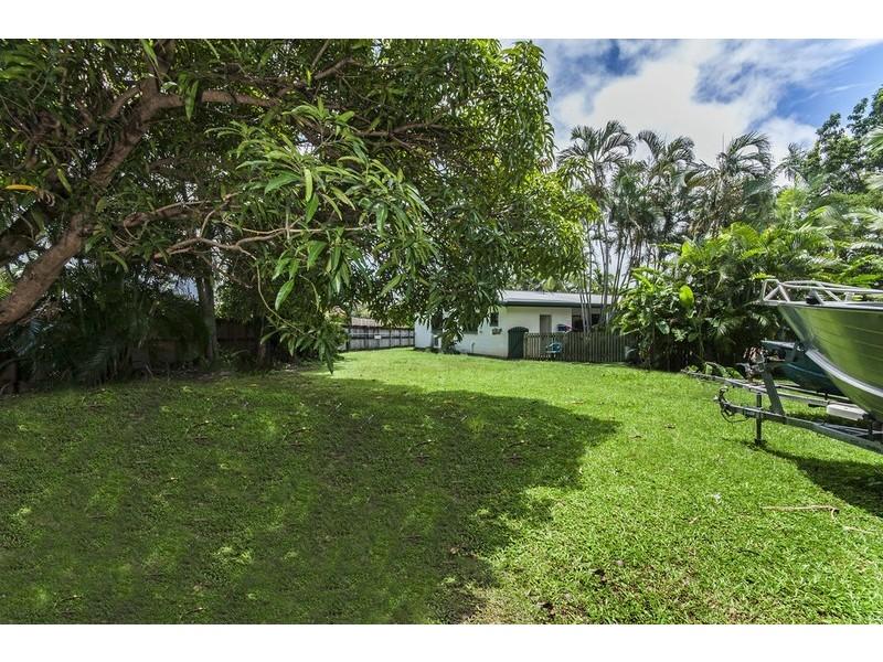 7 Ixora Court, Mooroobool QLD 4870