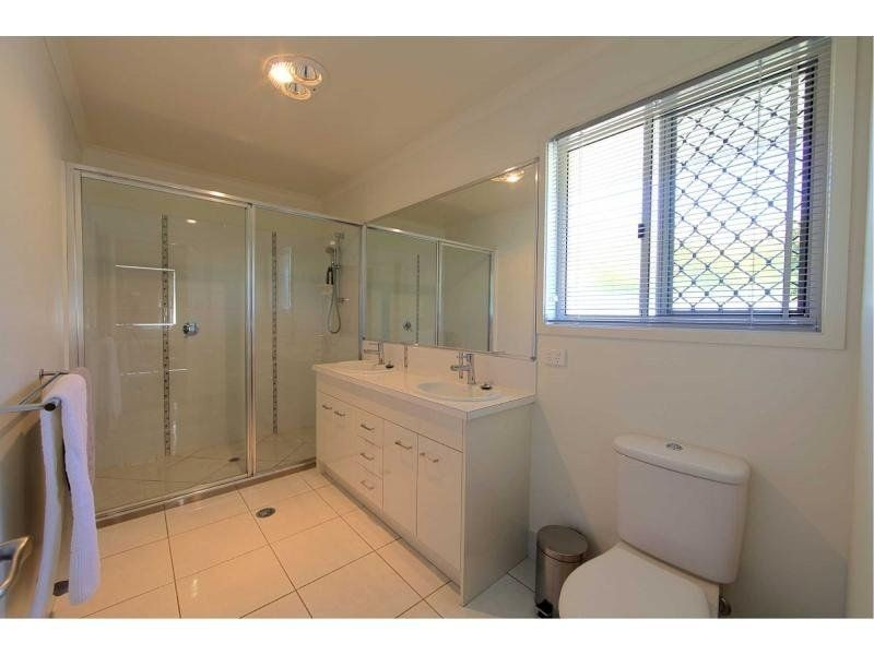 12 LANDSBOROUGH STREET, Bargara QLD 4670