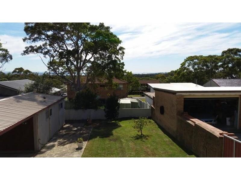 17 Rays Road, Bateau Bay NSW 2261