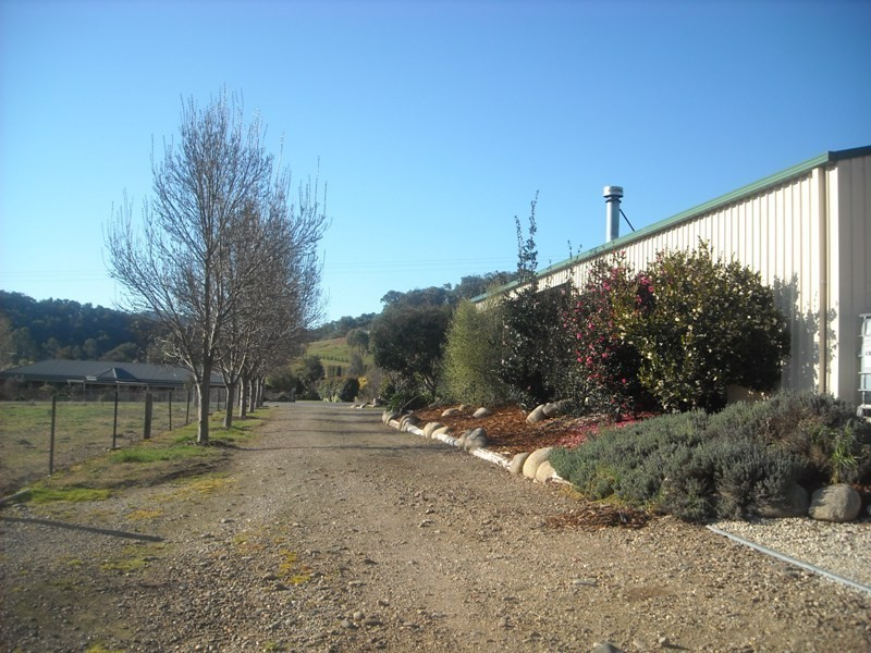 204  Mummery Rd, Myrtleford VIC 3737