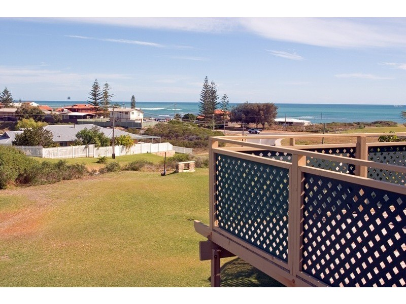 6/16 Dewar Way, Ledge Point WA 6043