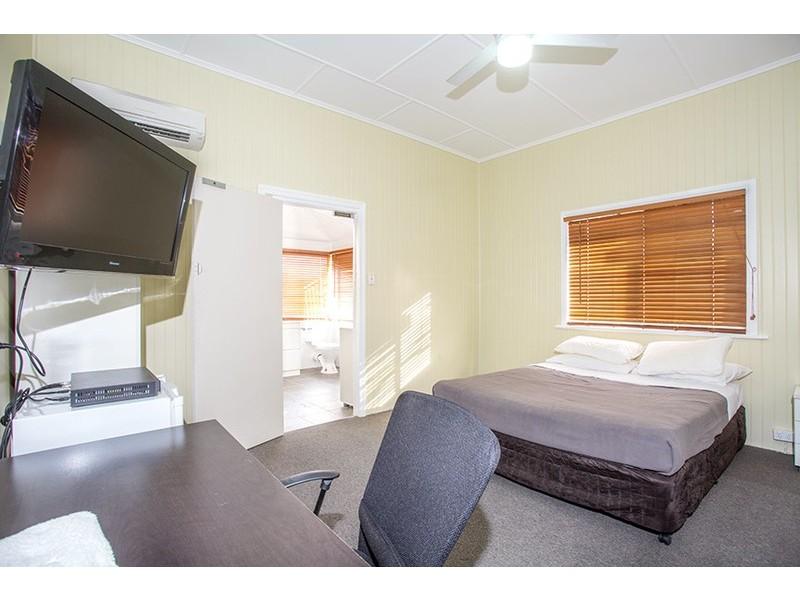 94 Broad St, Sarina QLD 4737