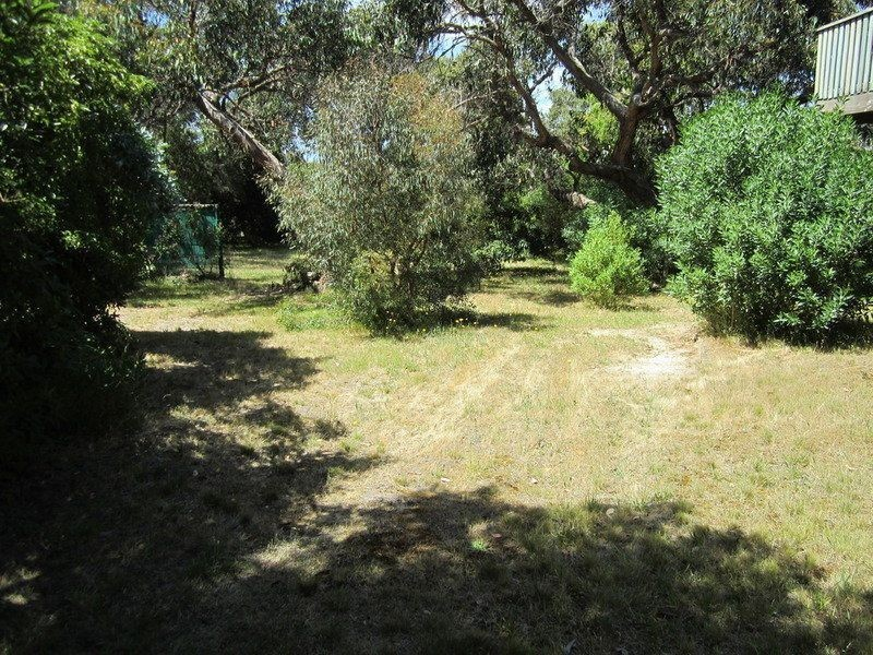 8 Seventh Avenue, Anglesea VIC 3230