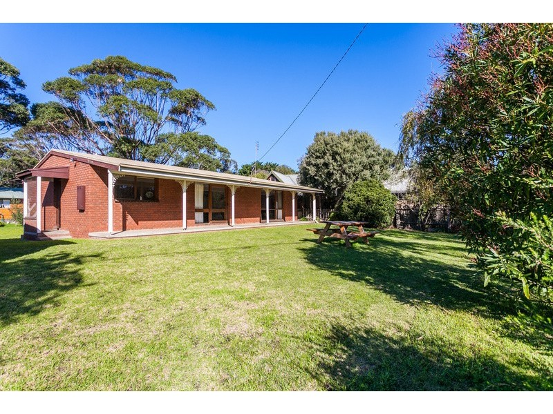 16 River Road, Aireys Inlet VIC 3231