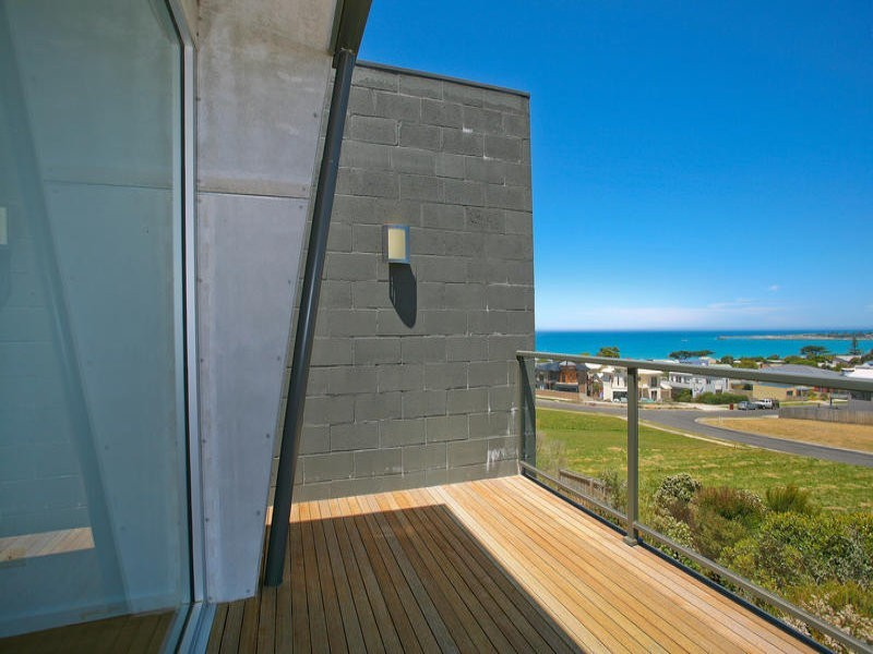 2/27 Marriners Lookout Road, Apollo Bay VIC 3233
